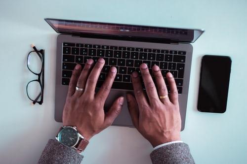 buy laptops wholesale